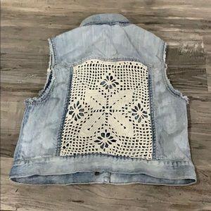 Aeropostale cropped jean vest size medium